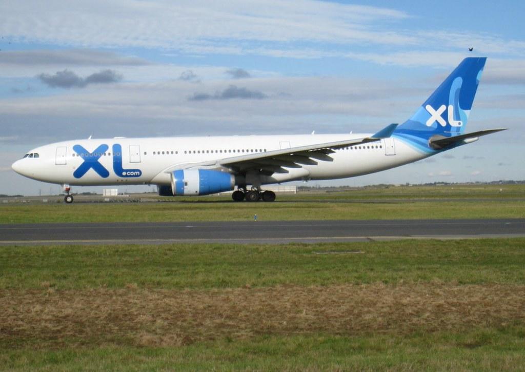 F-GRSQ, A330-243, cn 501, XL Airways France, CDG/LFPG, 10/2010