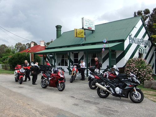 Coffee stop on the way back from Thredbo