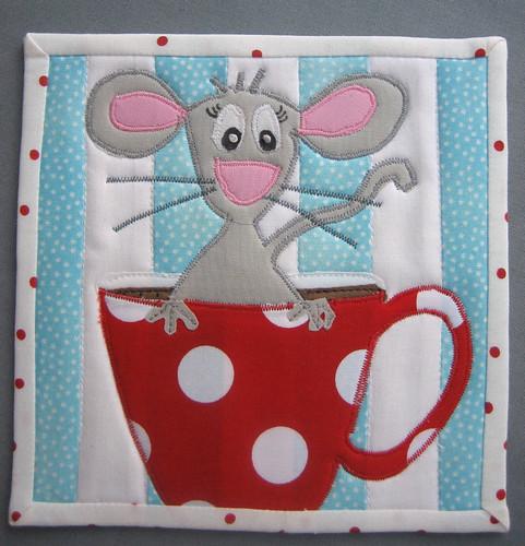 Mousy Mug Rug