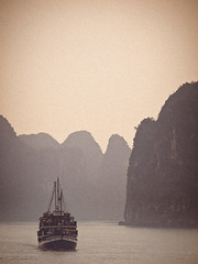 (miemo) Tags: travel autumn sea sky seascape mountains fall silhouette clouds landscape island boat haze asia ship olympus vietnam unescoworldheritage halong ep1 omzuiko100mmf28