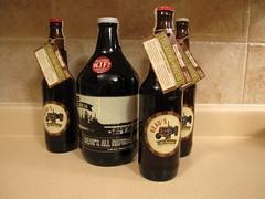 Beau's Brewery (wlayton) Tags: ontario water beer brewing wheat ale craft brewery growler treading beaus bogwater lugtread