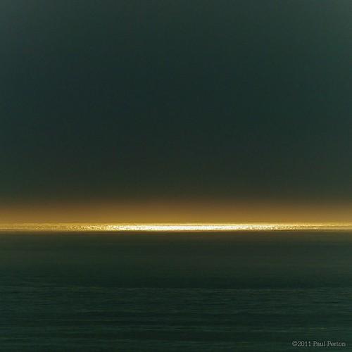 Ocean, sun, mist