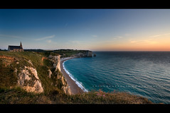 Etretat - Normandy - France (Photoskatto) Tags: light sunset sea panorama cliff holiday france tourism nature colors rock composition photoshop landscape photography landscapes photo europa europe flickr tramonto european mare dof nightscape shot kodak tripod eu location tourist explore normandie acr dslr colori normandy francia efs touring luce etretat normandia scogli composizione breathless nightlandscape flipside lowepro prophotographer cs3 cameraraw falesie c41 canonlens orablu presets treppiedi kodakc41 inquadratura 40d canonefs1022f3545usm eos40d canon40d acrpresets exposureprogram kodake6 aperturepriorityae theauthorsplaza luigiscattolin
