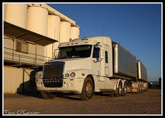 Freightliner (Tom O'Connor.) Tags: bridge up barley century port truck canon lens eos wheat south under grain twin australia down class land adelaide silos trucks parked kit sa weigh picnik trucking c120 unload hops truckers freightliner 2011 bdouble 1000d viterra
