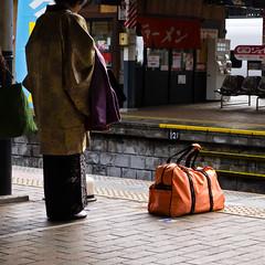 和洋折衷 - Mismatch (Kohei Ueda (f.k.a. Lindeberg Feller)) Tags: orange station japan lady bag lumix japanese clothing platform culture jr panasonic clothes 日本 kimono dmc 着物 北九州 lx5 西日本