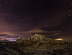 Cielo y Tierra V (La txapela) (martin zalba) Tags: sky espaa night stars landscape star noche paisaje cielo estrellas estrella navarra bardenas