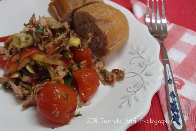 Salata de somon cu legume fripte f