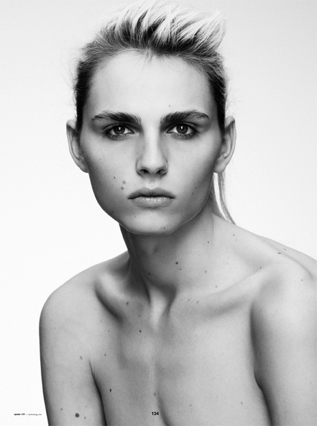Andrej Pejic0255_OYSTER91FEBRUARY-MARCH 2011_Ph Jez Smith(oystermag.com)