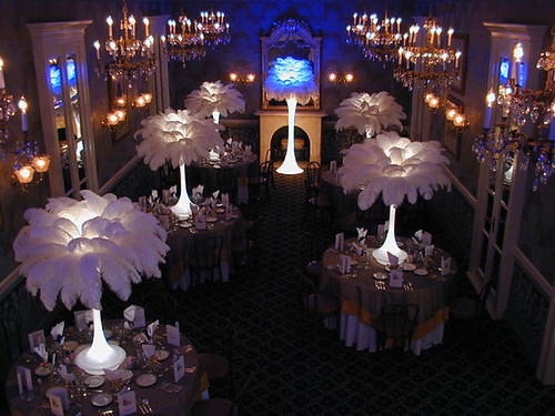 feathereventtablecentrepieces