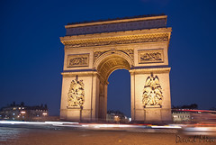 Paris, France - The Arc de Triomphe (GlobeTrotter 2000) Tags: blue vacation paris france tourism night de europe shot champs elyses arc triomphe visit hour triumph avenue