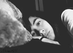 Aburrimiento en B&W [72/365] (MiriamGM) Tags: madrid espaa girl spain chica sunday bored days proyect dias domingo aburrida alcobendas proyecto 2011 365days 365dias miriamgm