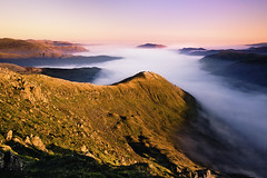 red screes (Dennis_F) Tags: uk autumn red england lake fall berg fog clouds zeiss sunrise landscape nebel unitedkingdom district sony united herbst wide lakedistrict wolken kingdom fullframe dslr landschaft sonnenaufgang lakeland ultra fell ssm thelakes 1635 uwa thelakedistrict weitwinkel ultrawideangle screes uww a850 163528 sonyalpha sonydslr vollformat zeiss1635 sal1635z cz1635 sony1635 dslra850 sonya850 sonyalpha850 alpha850 sonycz1635