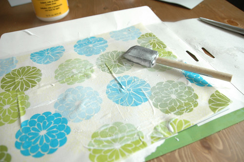 http://www.chalkinmypocket.com Mod Podge Quilt, avoiding bumps