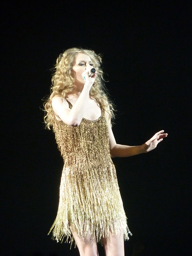 Taylor Swift 011 - Live in Paris - 2011
