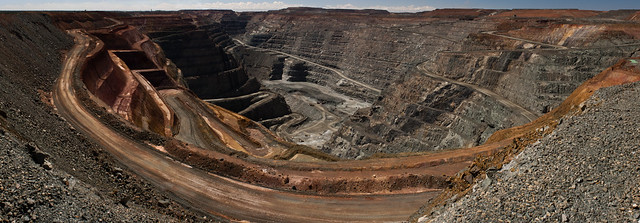 The Super Pit at midday