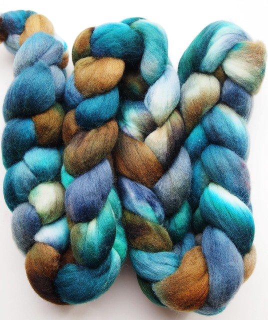 FCK MB Fiber Club # 3-March 2011-5oz Polwarth-blueish