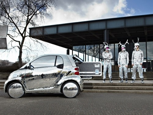 Disco-Ball-Smart-ForTwo-Electric-Drive-03