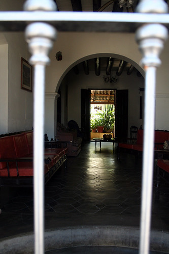 Todos Santos - Hotel in Passing