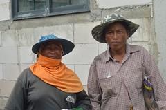 lady construction workers (the foreign photographer - ) Tags: sep112016nikon two lady construction workers khlong lard phrao portraits bangkhen bangkok thailand nikon d3200