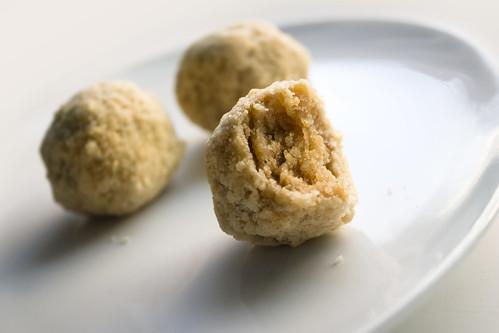 Momofuku's Apple Pie Truffles