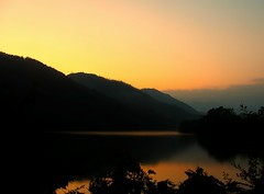 Nepal - Pokhara - Sunset on Phewa Lake ( Jamie Mitchell) Tags: nepal lake mountains buddhist buddhism kathmandu nepalese himalaya hindu hinduism pokhara tal nepali fishtail earthasia
