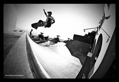 Ale Leoncini - Fs Ollie (carlo occhiena) Tags: ale bn ollie skate skateboard bianco nero ignoramps leoncin