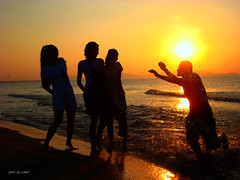 sunrise over sea #2 (e.nhan) Tags: life light art arts backlighting enhan