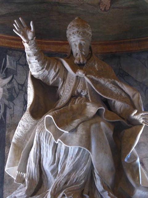 ローマ教皇像のフリー写真素材