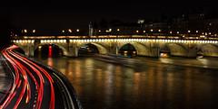 Fils parisiens (raphie79) Tags: longexposure paris architecture night nuit pontneuf lightstreak fil canon1755mm canon450d
