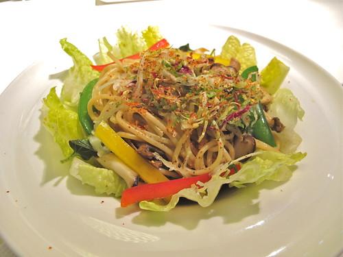 舒果新米蘭蔬食牛肝菌辣椒義大利麵