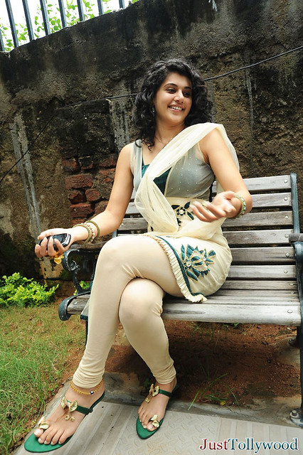 taapsee latest cute n hot looking stills