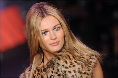 get-fall-2011-beauty-looks-from-anna-sui-jeremy-scott-proenza-schouler-1