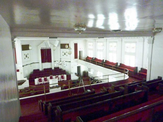 P1080042-2011-02-28-Pentecostal-Church-of-God-Howard-Street-Kirkwood-Atlanta-Balcony-Back-Row