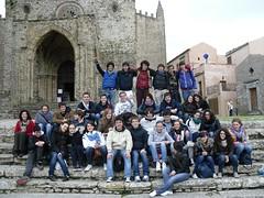 ...e dietro la Cattedrale