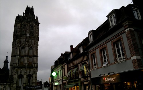Voyage au pays d'Avre 2 Verneuil sur Avre tour de la Madeleine par agayfriday lic. cc