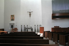 Sanctuary at Chapel of St. Basil, University of St. Thomas, Houston (marylea) Tags: architecture modern campus downtown catholic texas designer houston chapel architect philipjohnson contrasts romancatholic 2010 mar11 stbasil universityofstthomas chapelofstbasil