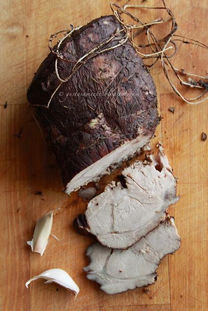 Arrosto di maiale al timo, aglio e vino rosso