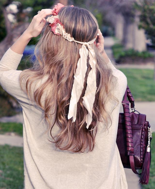 silk flower necklace worn around my head, waved hair, DSC_0035