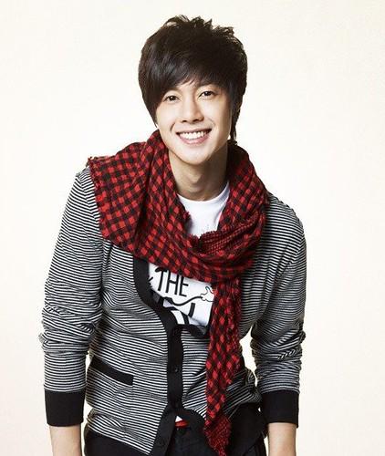 South Korean actor Kim Hyun Joong casual apparel photo _9_