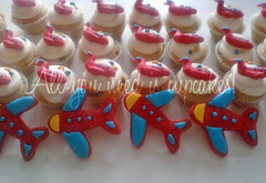 A volar! (All you need is Cupcakes!) Tags: argentina plane fly cupcakes cookie avion volar galletita needcupcakes allyouneediscupcakes