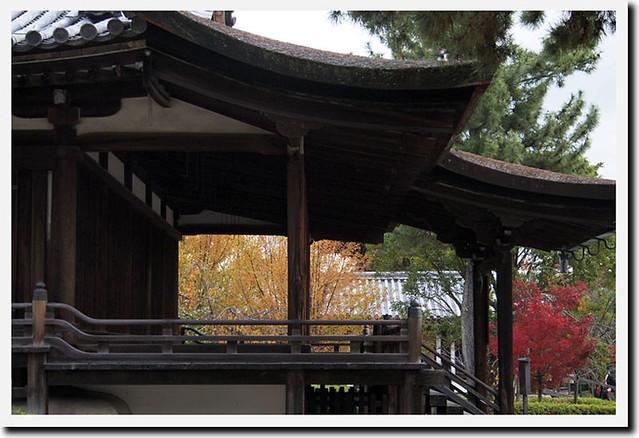 20101118_100705_法隆寺_西室、三経院(国宝)