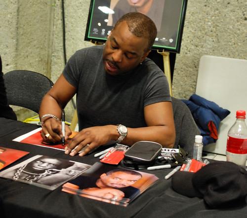 Autograph tables