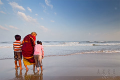 old age (Amar Ramesh Photography) Tags: india beach marina grandmother grandkids oldpeople chennai tamilnadu seniorcitizen
