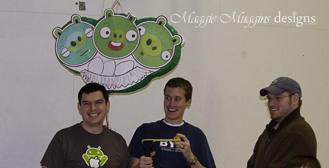 Angry Birds Piñata Slingshot