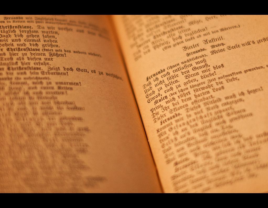Project 365, Day 237, 237/365, bokeh, Calderon de la Barca, der standhafte Prinz, Die Andacht zum Kreuze, book, old german, spanish theater, play, Fraktur, altdeutsch, yellowed, vergilbt, Sigma 50mm F1.4 EX DG HSM, 50mm, 50 mm