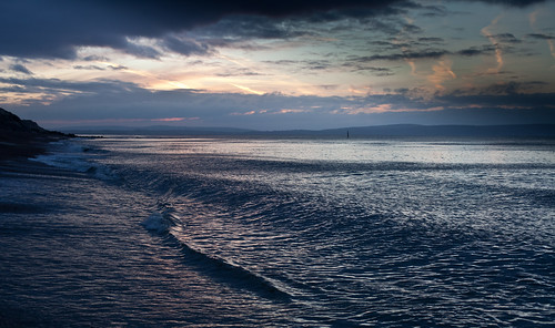 Wave interference patterns with the Isle of Wight at Dawn