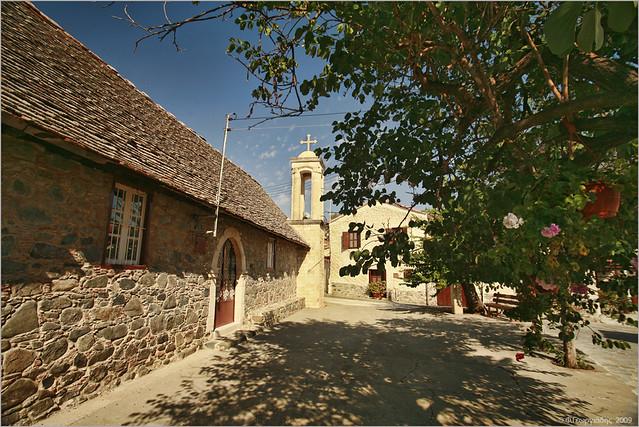 Ιερός ναός Αγίου Γεωργίου στην Ακαπνού