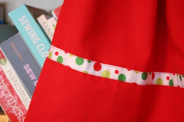 ribbon on xmas skirt