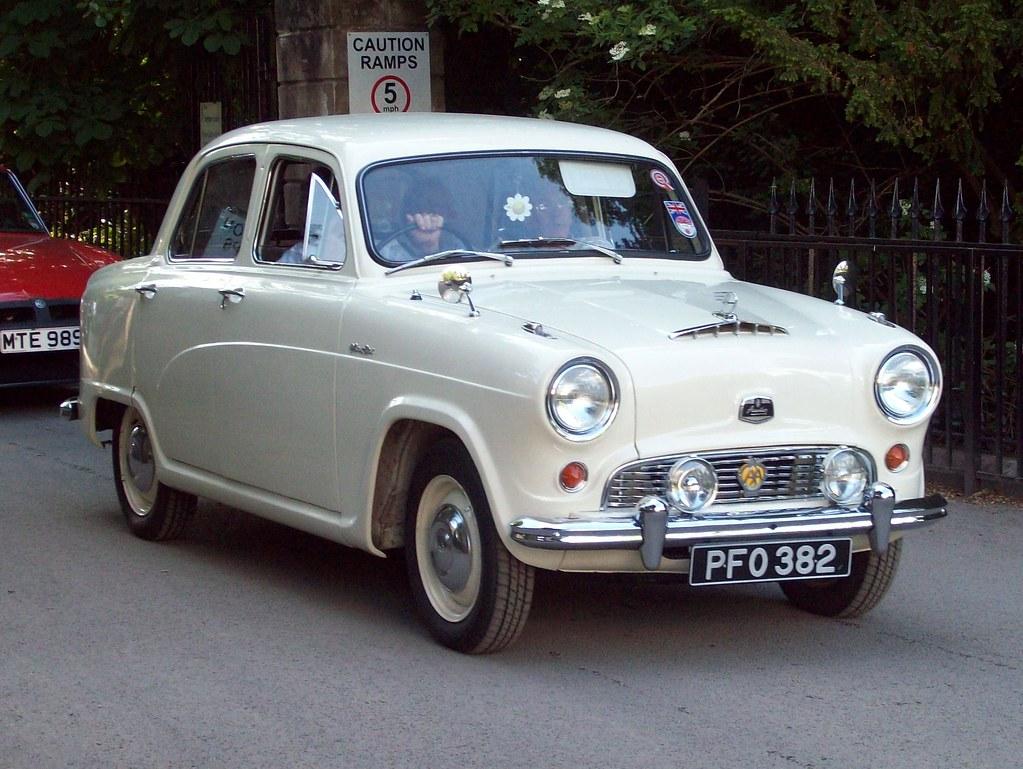 13 Austin A50 Cambridge Deluxe (1954-57)