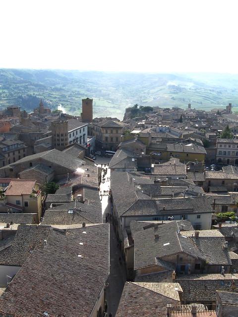 オルヴィエートの町並みのフリー写真素材